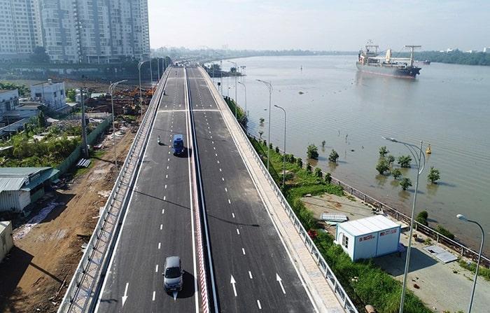 Cầu qua đảo Kim Cương dài gần 300m, rộng 22m với 4 làn xe