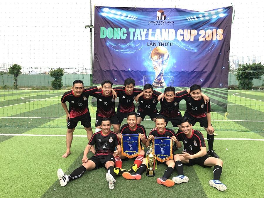 FC Royal (Hoàng Gia - ĐTL đã dành chiến thắng ngoạn mục để trở thành nhà vô địch Đông Tây Land Cup lần II/2018