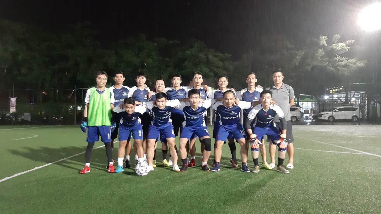 Đông Tây Land tham gia tranh tài giải bóng đá VARS CUP 2019 1