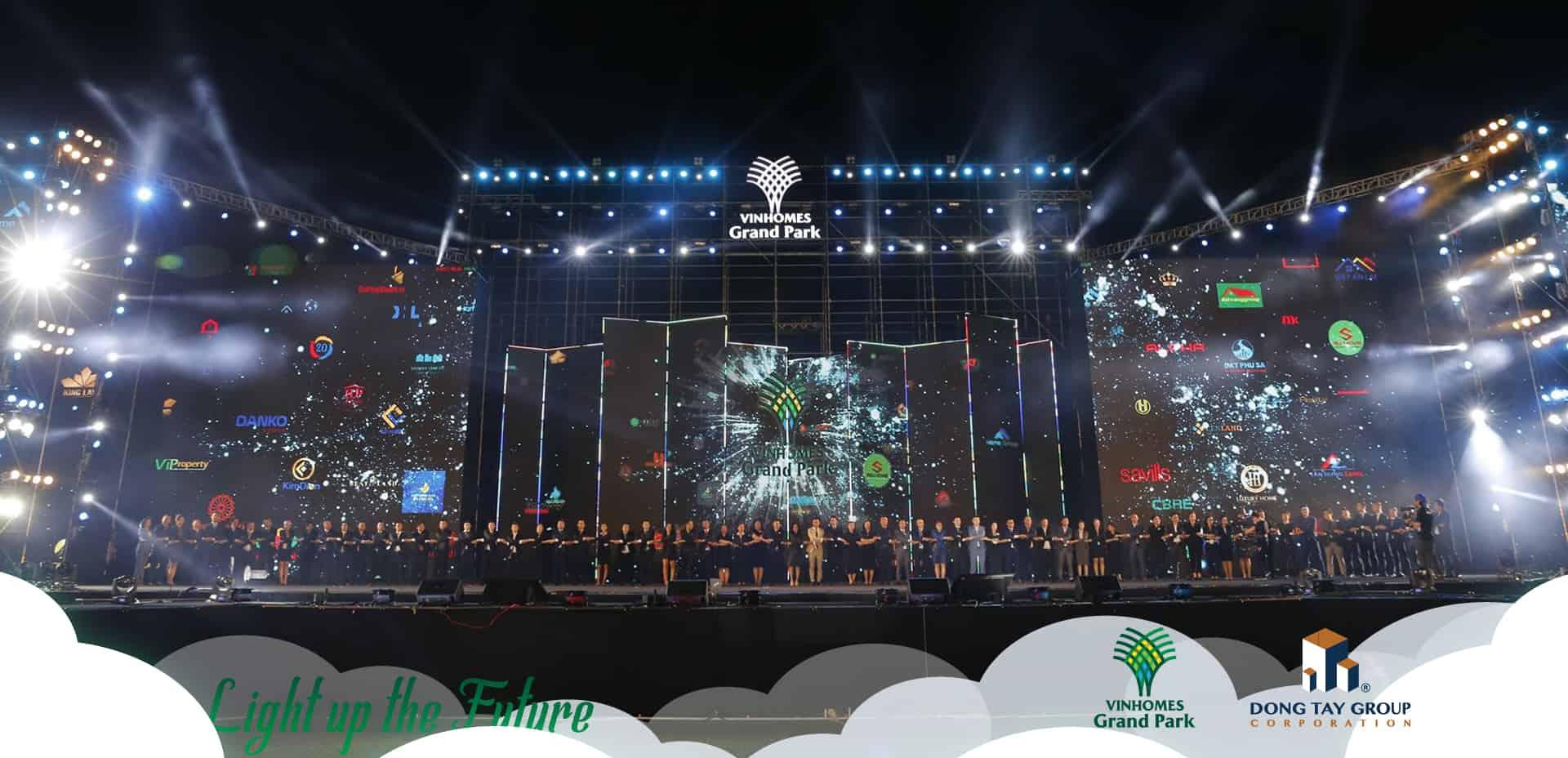 """Bùng nổ cảm xúc cùng Ngày hội """"Đại đô thị đẳng cấp Singapore"""" Vinhomes Grand Park – Light up the future 5"""